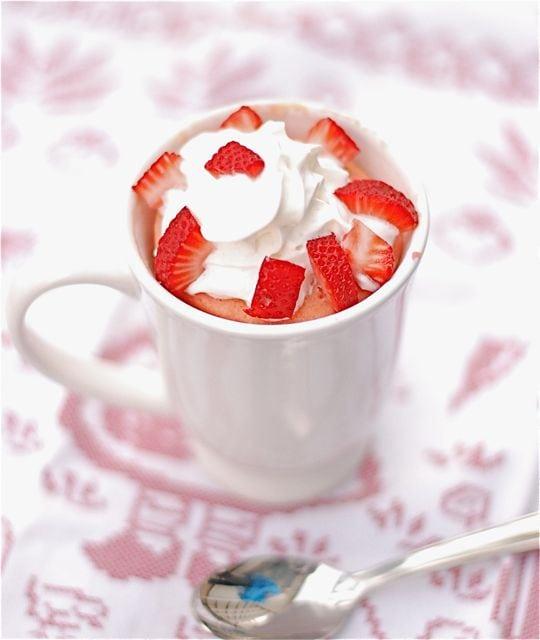 Mug Strawberries and Cream Cake