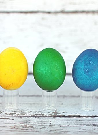 Rainbow Easter Eggs – Coloring Super Bright Easter Eggs the Easy Way