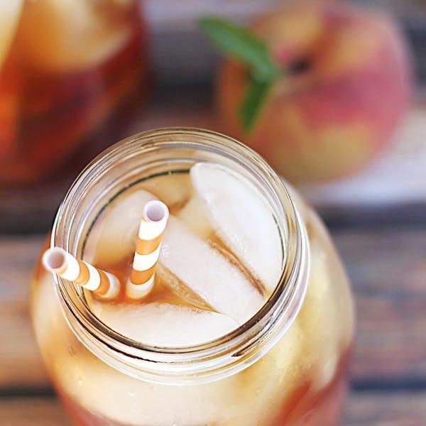 Easy Homemade Peach Iced Tea Recipe