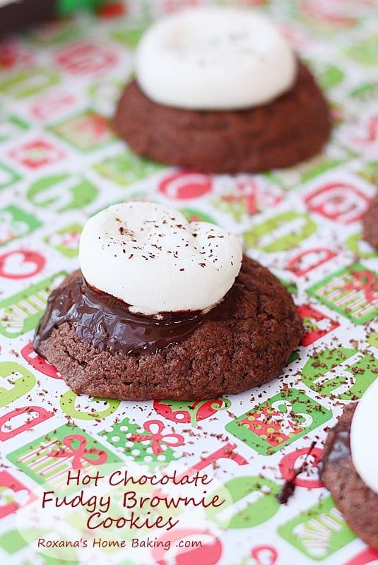 Hot-Chocolate-Cookies-Recipe-25recipestoXmas-roxanashomebaking-7