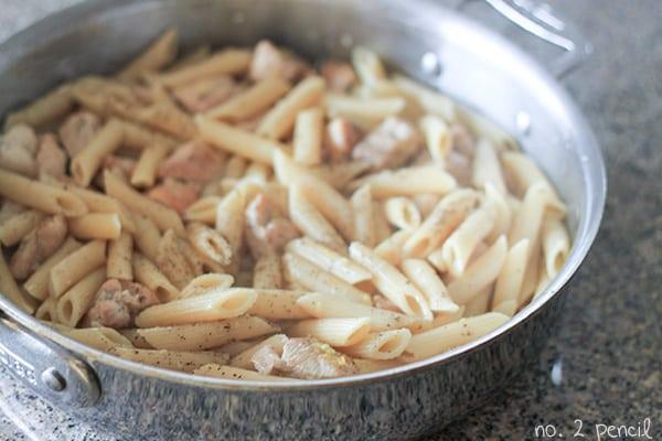 One Pan Garlic Lemon Chicken Pasta