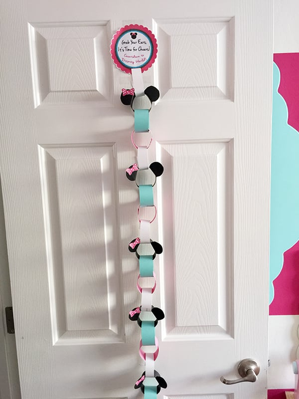 Minnie Countdown Chain for Disney World