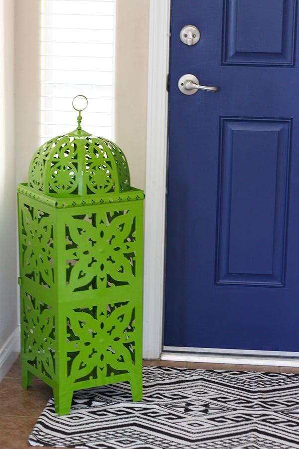 Paint both sides of your front door for a POP of color - Navy Blue Interior & Navy Blue Interior Front Door - Easy Pop of Color pezcame.com