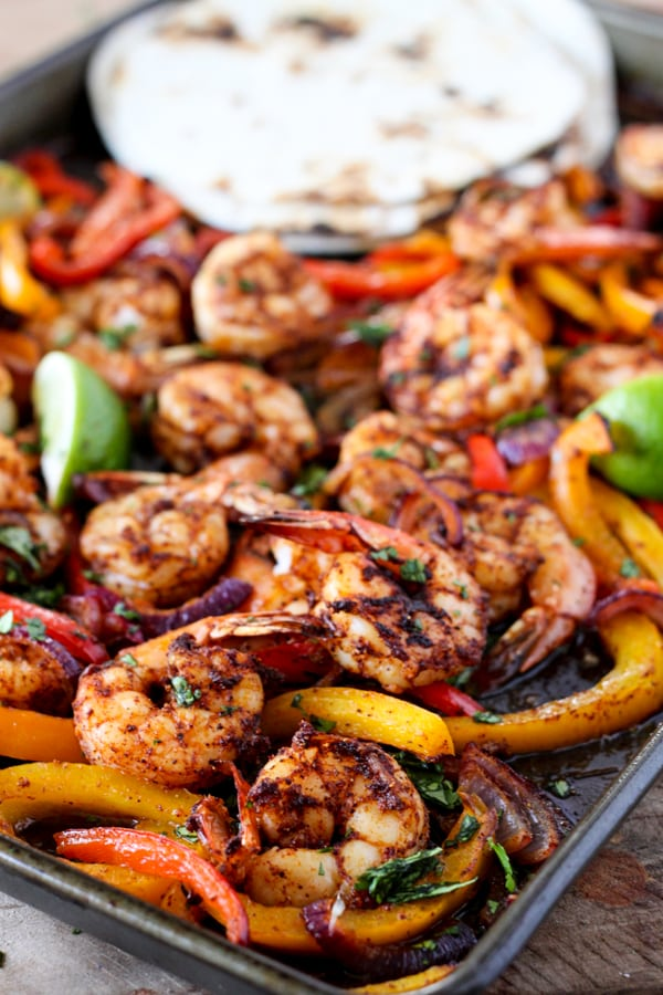 Pan shrimp fajitas one sheet pan shrimp fajitas tender juicy shrimp with roasted bell pepper and onion served forumfinder