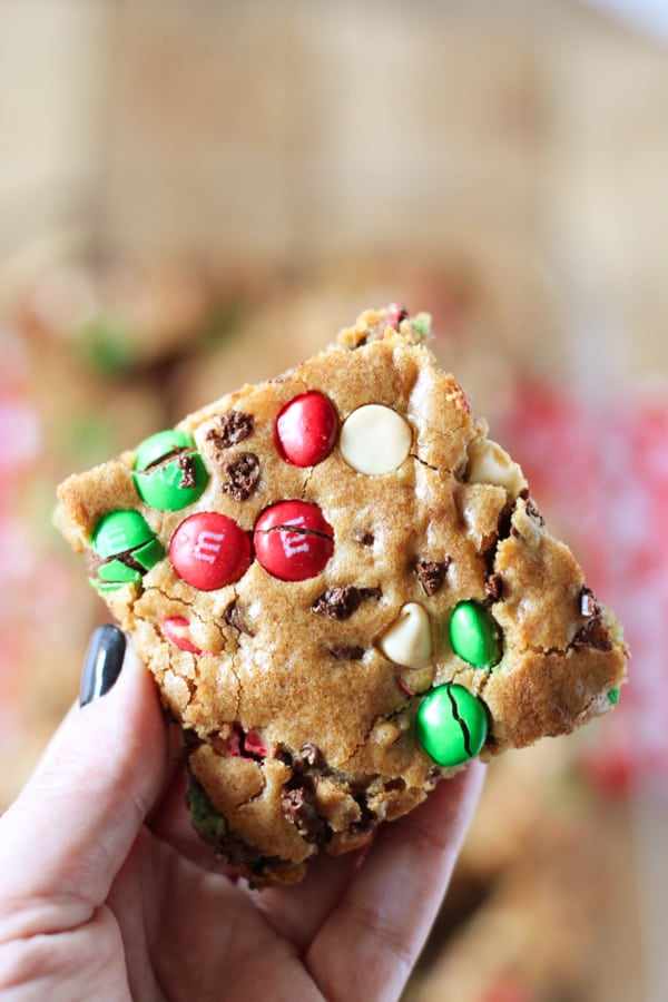 mm-christmas-cookie-bars-10