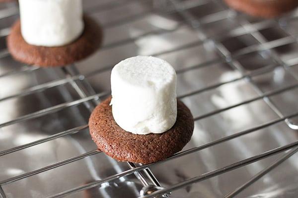 snowman-top-hat-christmas-cookies-14
