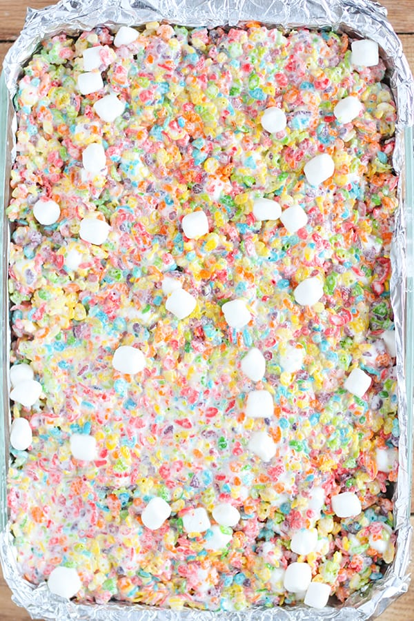 Rainbow Marshmallow Dream Bars - the ultimate Fruity Pebbles treats!