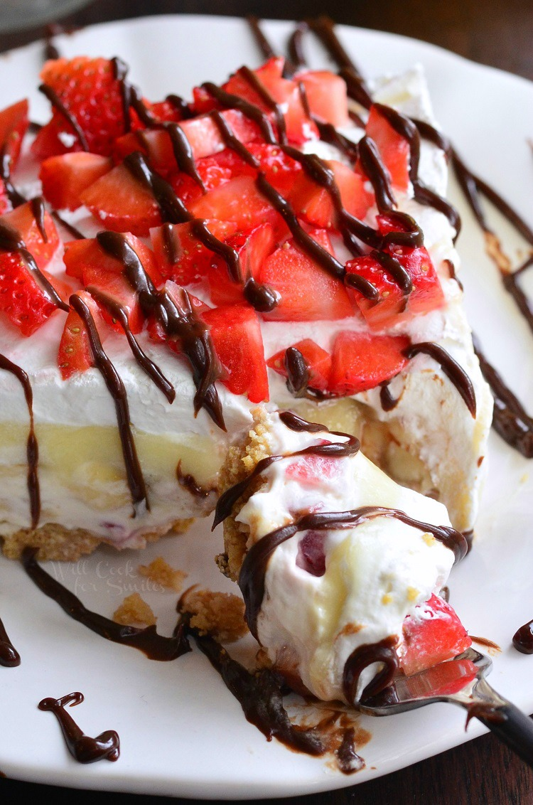 No-Bake-Banana-Split-Layered-Cheesecake-Dessert-6