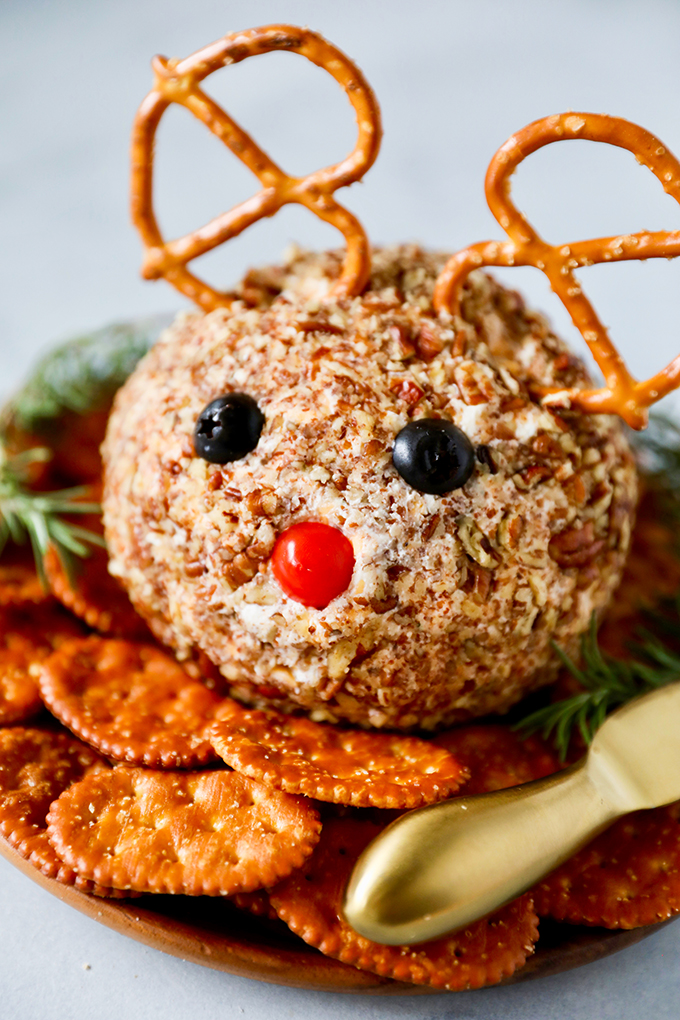 Christmas Cheese Ball.Rudolph Cheese Ball Recipe No 2 Pencil