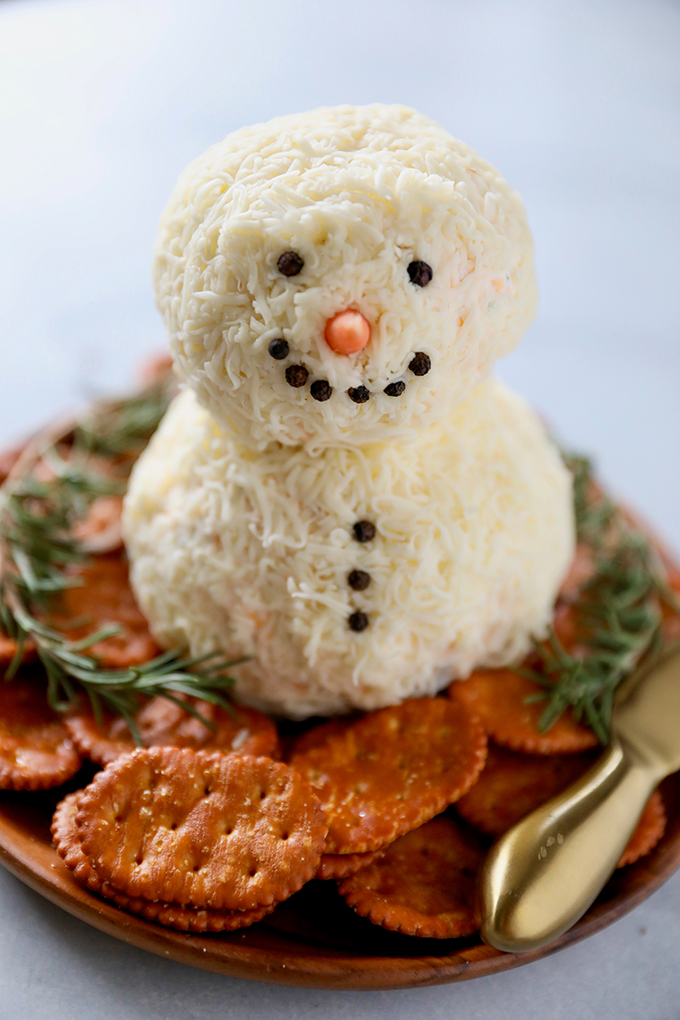 Snowman Christmas Cheese Ball Recipe - Easy Holiday Appetizer