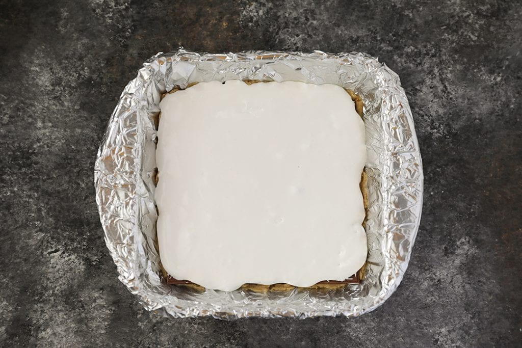 Third layer of S'mores Bars with Marshmallow Creme