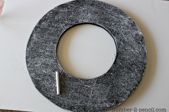 DIY Chalkboard Wreath
